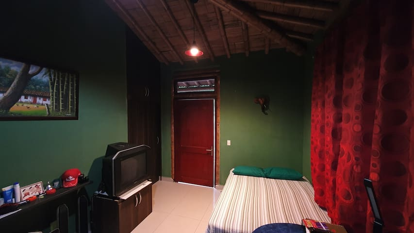 """La Cumbamba - the """"Mirlas"""" double room"""