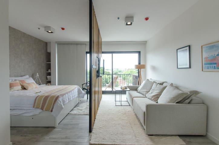 Cool, modern loft in Barrio Jara!