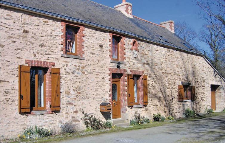 Holiday cottage with 3 bedrooms on 95 m² in Campbon