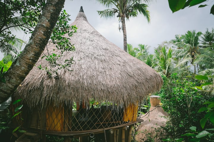 Omah Tabuan - Natural Bamboo Hut in Ubud