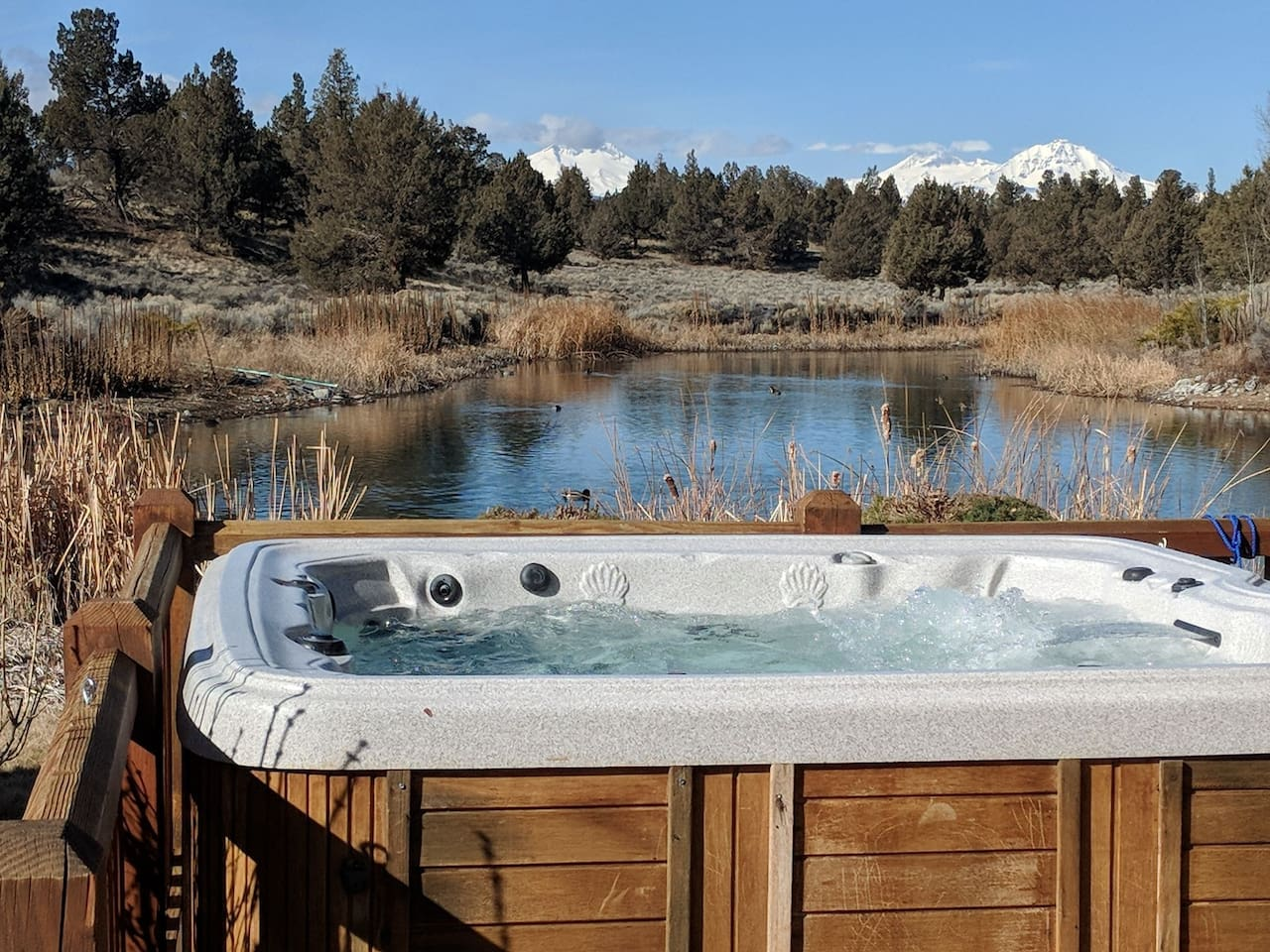 Whether returning from Smith Rock or a day on the mountain, or hiking the local area, the deep hot tub is wonderful.  On a clear night, and most of them are, the stars are spectacular!