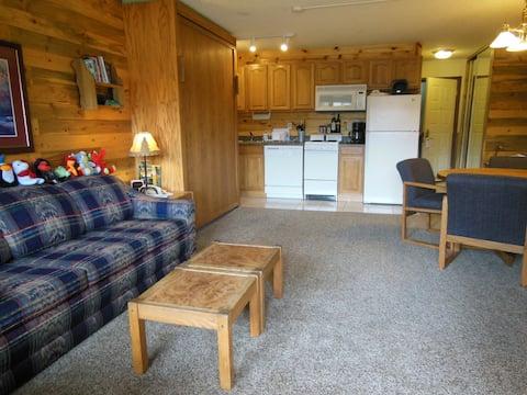 Granby Ranch/Winter Park area cozy studio!