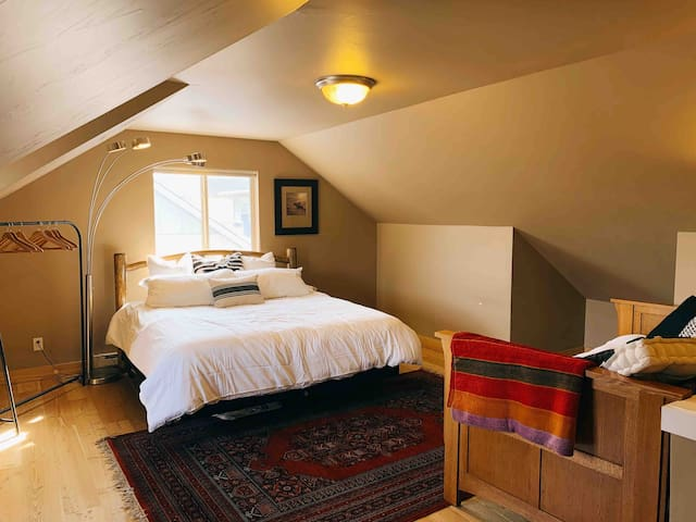 Airy, private loft with two beds