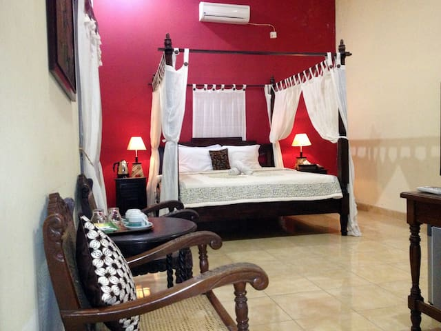 DELUXE Padma Asri GuestHouse