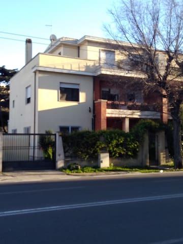 Appartamento Marconi in villa indipendente