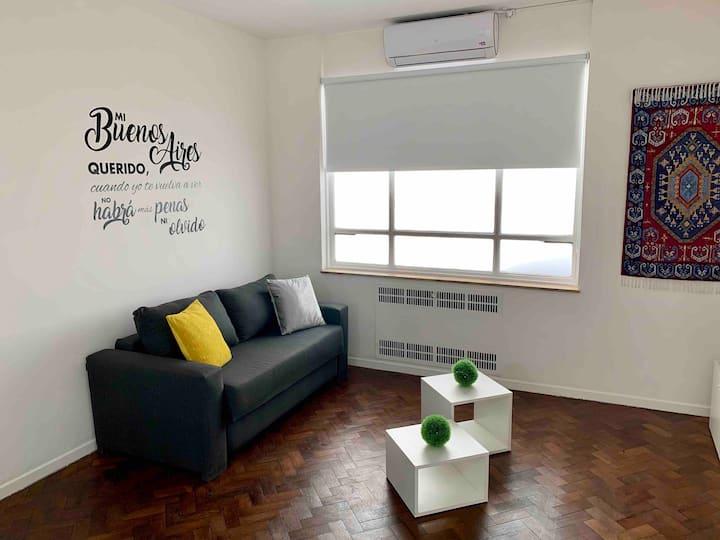 Buenos Aires Apartment: Obelisco and Teatro Colón