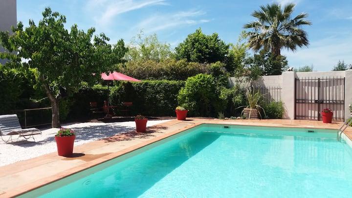 Maisonnette-Studio avec piscine privée et jardin
