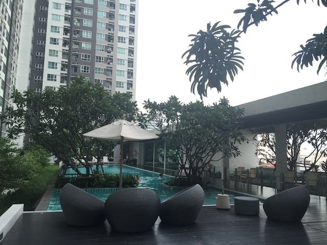 City Living With Easy Access To BTS - Bangkok - Appartement en résidence