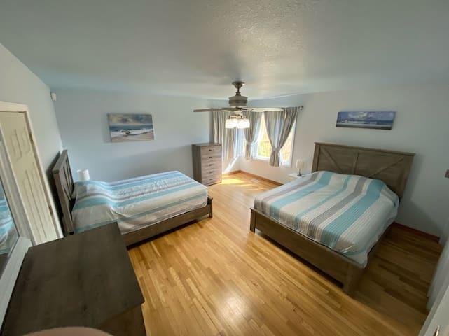 Bedroom 2, two queen beds