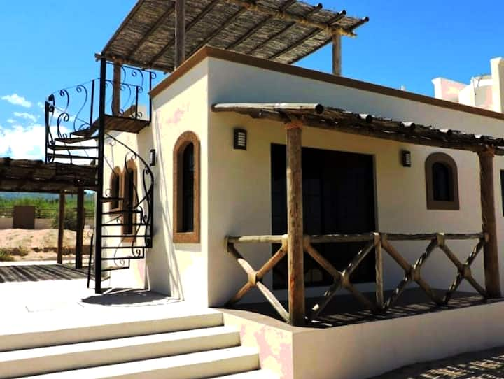 Charming cottage near beach in La Ventana area