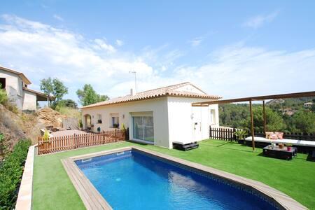 Casa con piscina privada en zona residencial - Begur - Dom