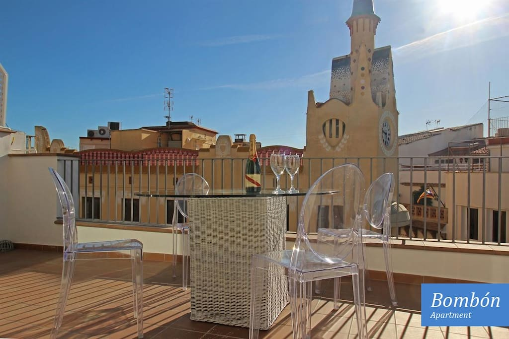 From this terrace guests can enjoy spectacular views of the Cap de la Vila