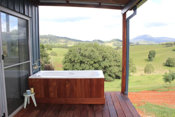 Cloud Cottage, views & private outdoor bath.