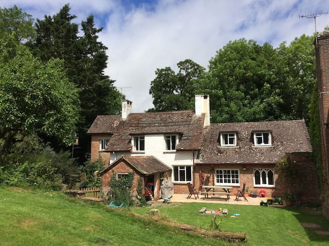 Country house with large garden in Athelhampton
