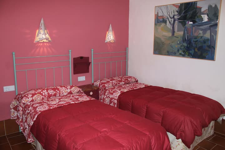 Habitaación Roja (Casa rural la Alfarera)