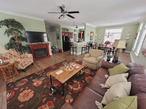 Luxury 3 level townhouse at the River Club, next to SRP Park, Savannah  River, PGA Golf course, and the Greenway trails.