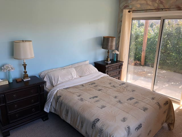 Private Guest Suite on Scenic Silver Lake Road