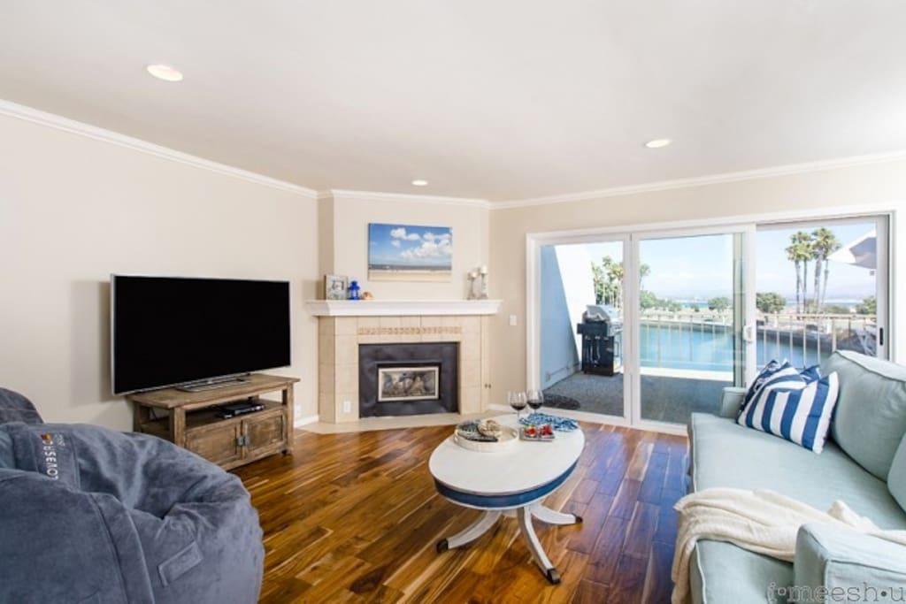 Living Room, Fireplace, TV