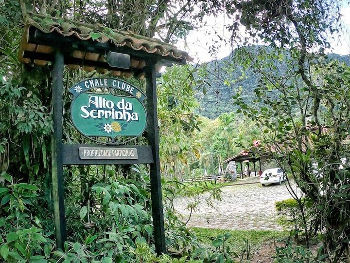 O Chalé Clube Alto da Serrinha: Angico