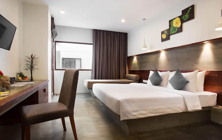 Deluxe Room with Balcony + Free Pick Up Service