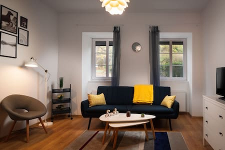 A charming little flat just above Széchenyi Square