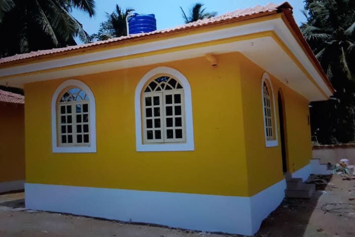 Independent house 5 mins drive to beach