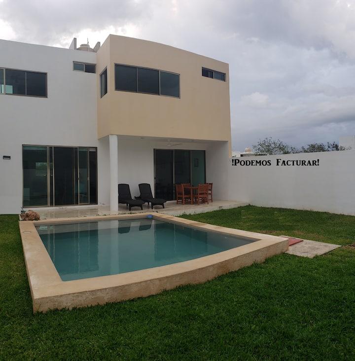 Residencia con ALBERCA y JARDÍN privado2