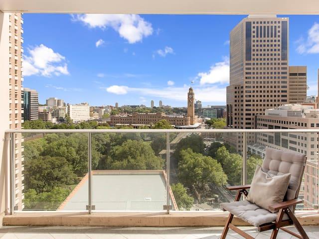Spacious 1-Bedroom Apt in the Heart of Sydney CBD