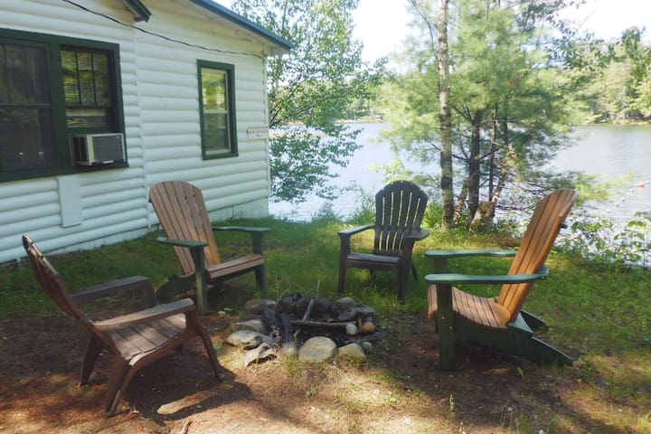 Birch: 2 Bedroom Waterfront Cottage