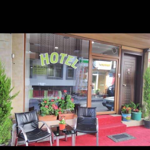 Şah Hotel 1 kişilik oda