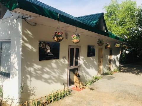 Jacaranda Cottage|Farmstay|Near Golf Course