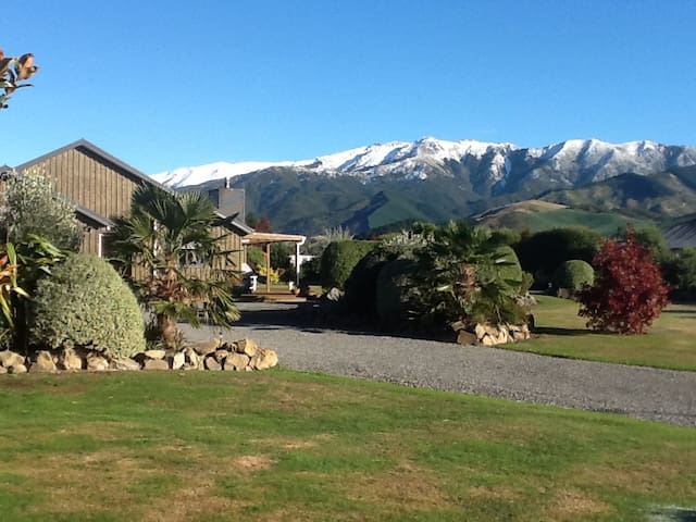 Beautiful Dunblane View with no hidden costs. - Hanmer Springs - Huis