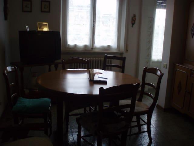 Appartamento a 300 metri dal mare - Follonica - Appartement