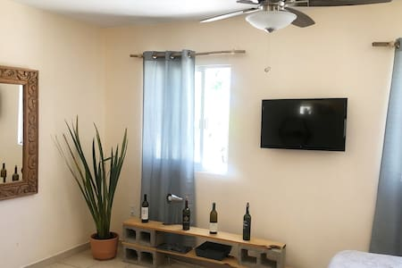 Modern Studio w/ WIFI! & Location!