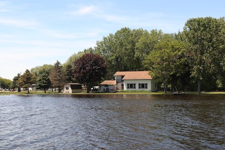Oconto River House