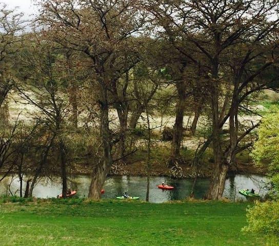 Bandera river retreat, right on the river!
