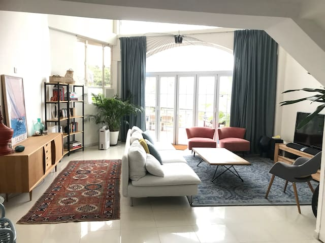Family friendly home walking distance to Sai Kung