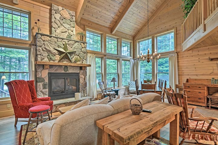 NEW! Rustic + Modern Home w/Fire Pit on Tower Pond
