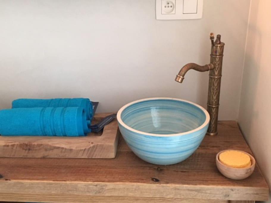 Arabic Blue – Bathroom