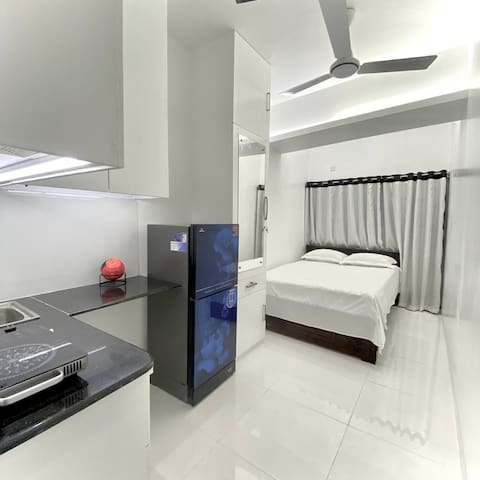 patient friendly  apartment 7 minuet from Apollo