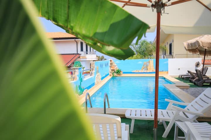 Family Apart with Pool and Wi-Fi 250m from the sea