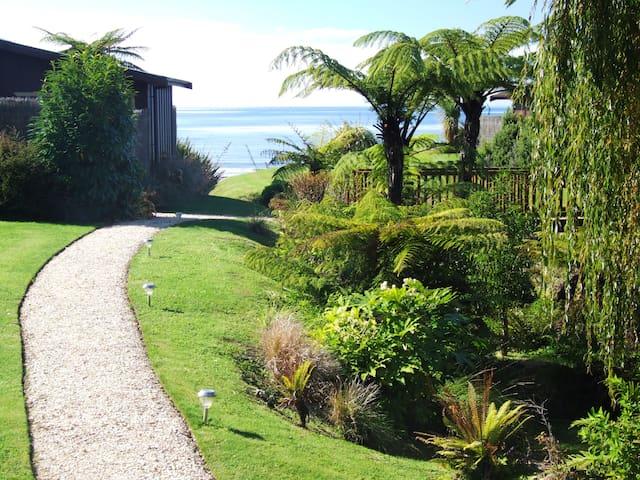 Adrift In Golden Bay - Garden Villa