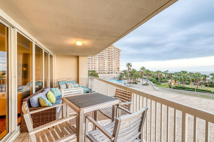 Gorgeous beachfront condo with shared pool, hot tub, & beach access