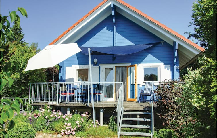 Holiday cottage with 1 bedroom on 65m² in Schwarz