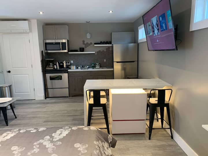 Honeycomb Executive Apartment (Windsor)