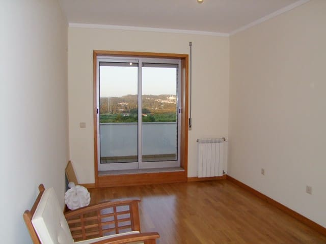 Quiet room in wonderful village - Porto - Apartamento
