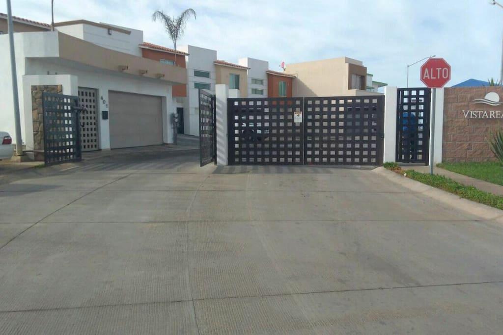 Vista a puerta del mar houses for rent in ensenada baja for Puerta 6 aeropuerto ciudad mexico