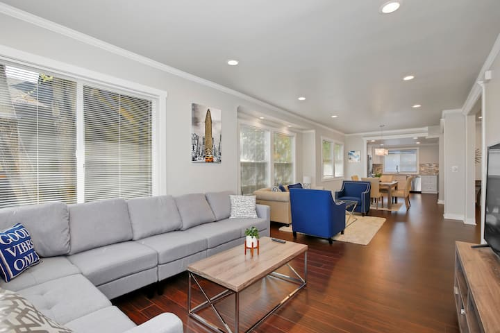 Open concept with big windows for natural lighting