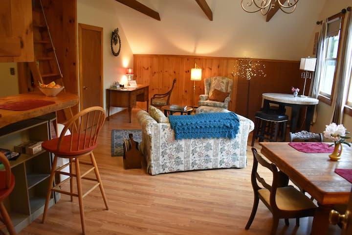 Squam River View apartment