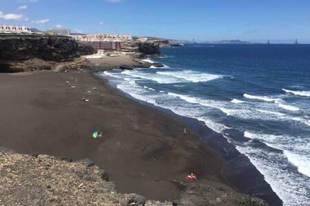 Casa junto al mar. Playa de LA GARITA. Telde